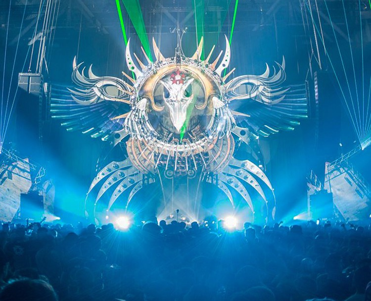 Giant inflatable bird skull. Qlimax festival 2016. Photo: S. Camelot